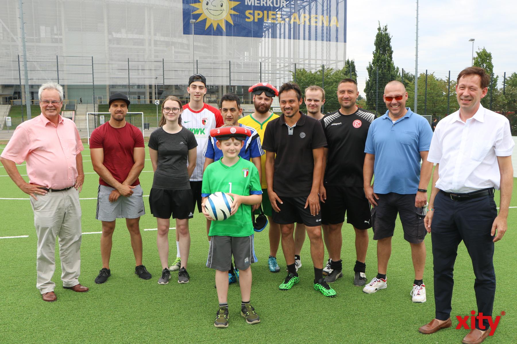 Am Dienstag wurde das neue Blindenfußballfeld offiziell eröffnet (Foto: xity)