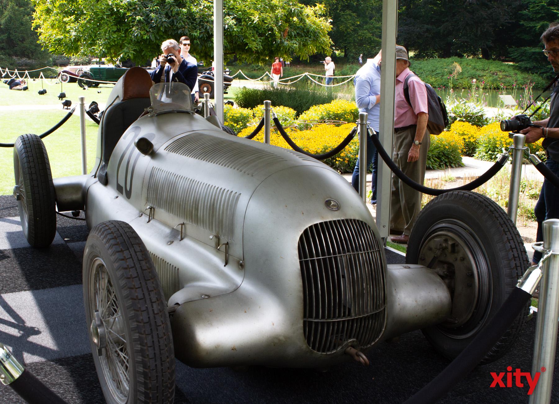 Klassische Rennwagen wurden ebenso ausgestellt wie Familienkutschen (Foto: xity)