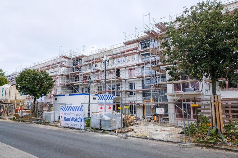 An der Langenfelder Straße in Wersten errichtet die SWD einen Wohnblock mit 49 Wohneinheiten sowie einer Tiefgarage (Foto: Stadt Düsseldorf/Michael Gstettenbauer)