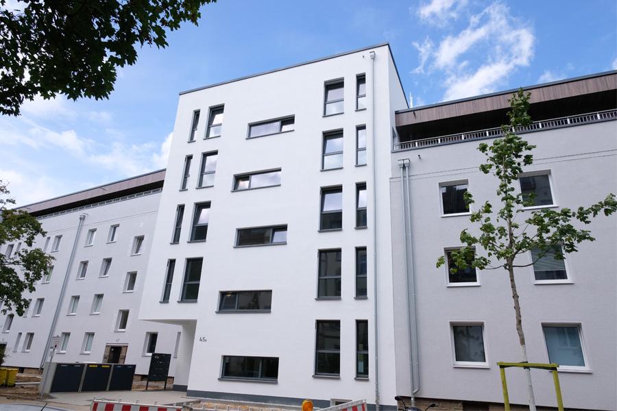 An der Merkurstraße in Bilk modernisiert die Düsseldorfer Wohnungsgenossenschaft die bestehenden Gebäude (Foto: Stadt Düsseldorf/Michael Gstettenbauer)
