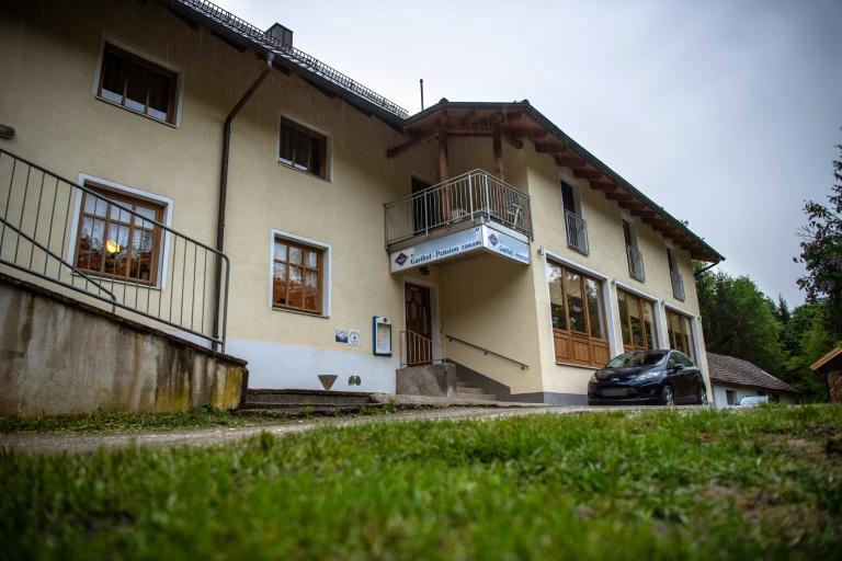 Passauer Armbrustfall war laut Polizei erweiterter Suizid in einer Art Sekte (© 2019 AFP)
