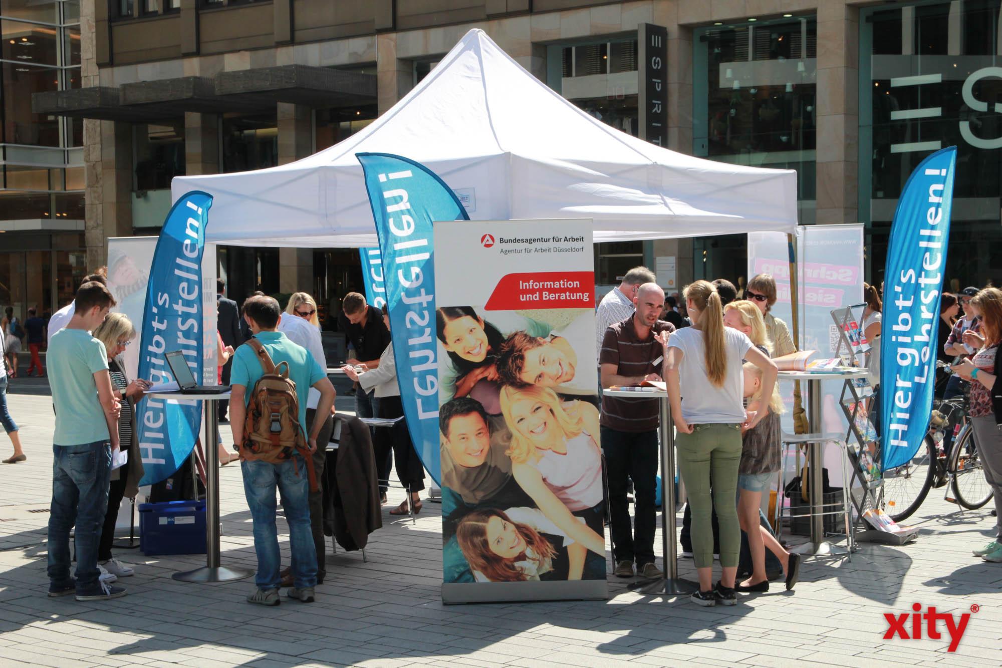 Sommer-Lehrstellen-Aktion auf dem Schadowplatz (Foto: xity)