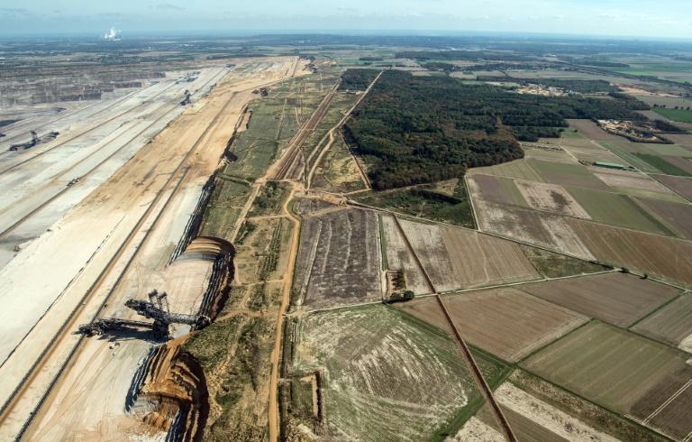Studie: Braunkohletagebau trocknet Hambacher Forst im rheinischen Revier aus (© 2019 AFP)