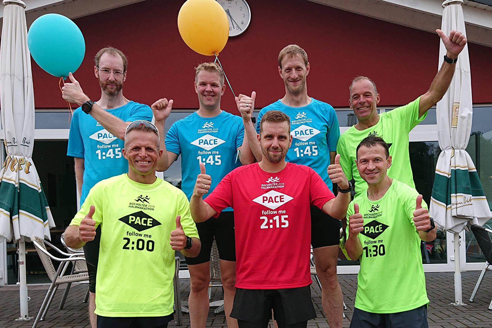 Pacemaker beim ersten Bocholter Halbmarathon: Andre Pütter, Mike Eiting, Stefan Werner, Ralf Himpler (hinten v.l.n.r.), Patrick Heitkamp, Simon Schlebusch, Bernd Diekmann (vorne v.l.n.r.) (Foto: SSV)