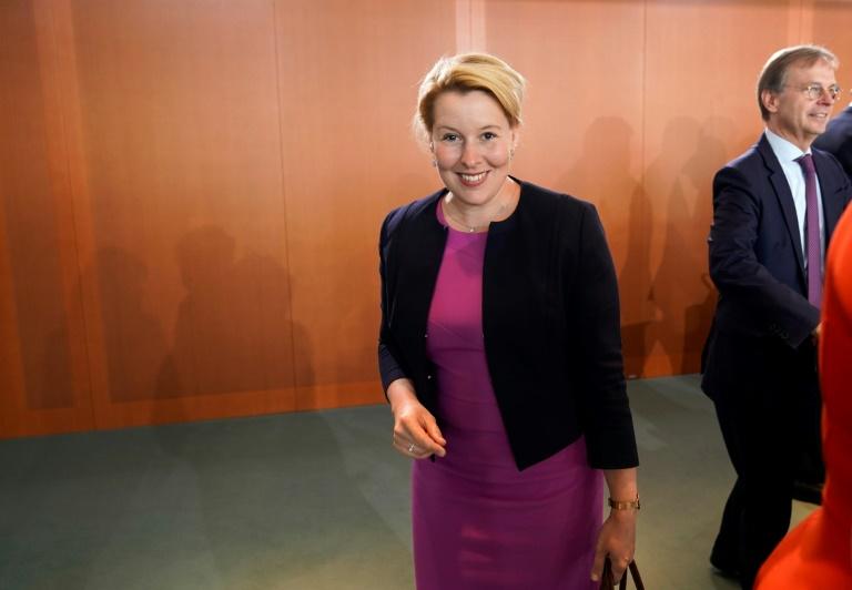 """""""FAZ"""": Familienministerin Giffey stellt Rücktritt in Aussicht (© 2019 AFP)"""