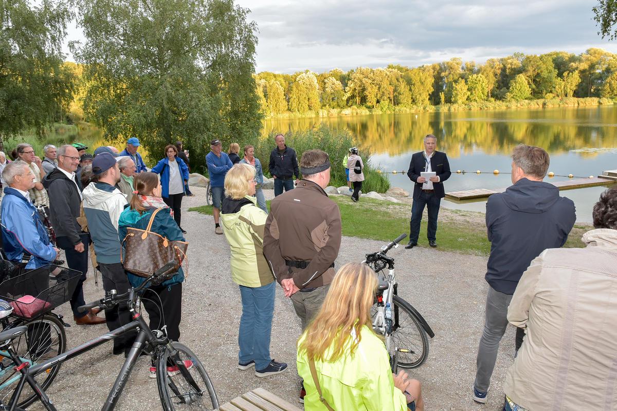 Der Donauwurm am Baggersee war eine der Stationen der Radltour mit OB Christian Lösel (Foto: Stadt Ingolstadt / Rössle)