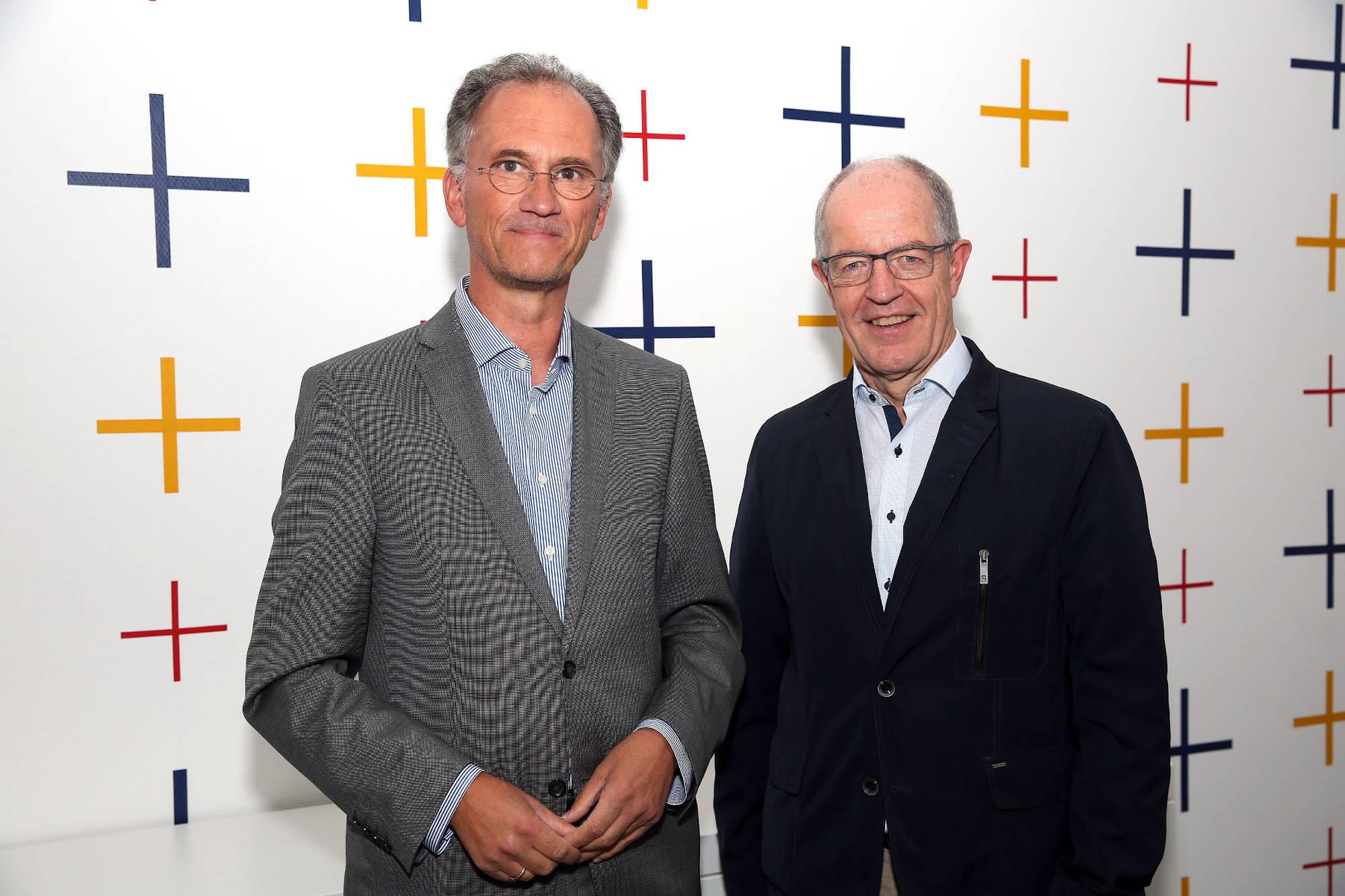 Reimund Esser ist der neue Leiter der UNICEF Arbeitsgruppe Mönchengladbach. Heute war er bei Oberbürgermeister Hans Wilhelm Reiners im Rathaus Abtei zu Gast. (Foto: Stadt Mönchengladbach)