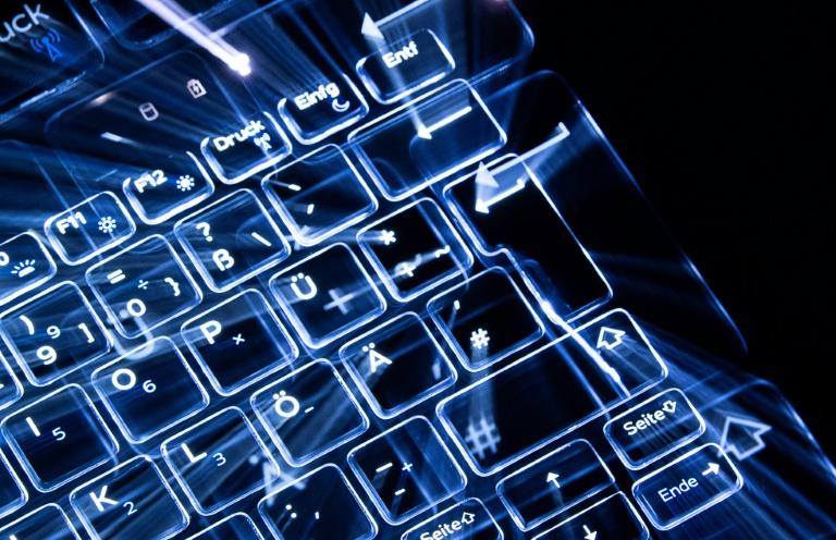 Behörden legen Internetseite zum Austausch über Sprengstoff und Rauschgift lahm