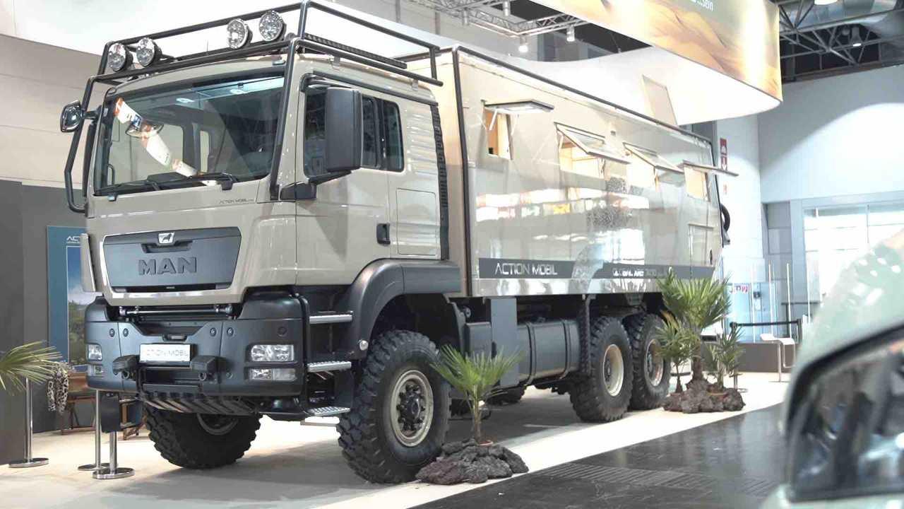 Diese Wohnmobil hat 630 PS und Allradantrieb. Damit fährt man sich garantiert auf keinem Campingplatz fest.