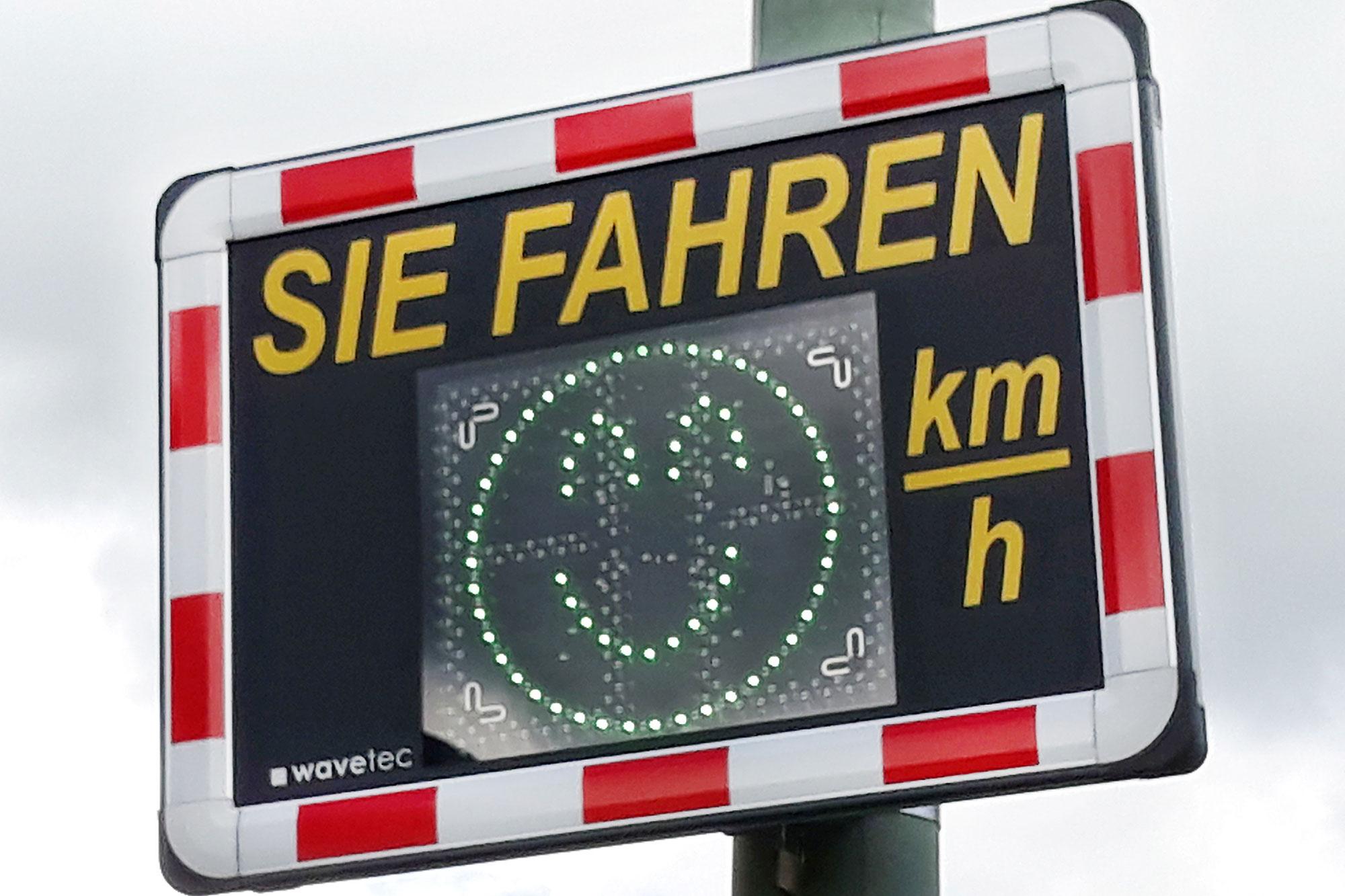Langsam fahren! Bei zu schneller Fahrt blitzt es im Kreisgebiet. (Foto: Thomas Weinstock/ Kreis Soest)