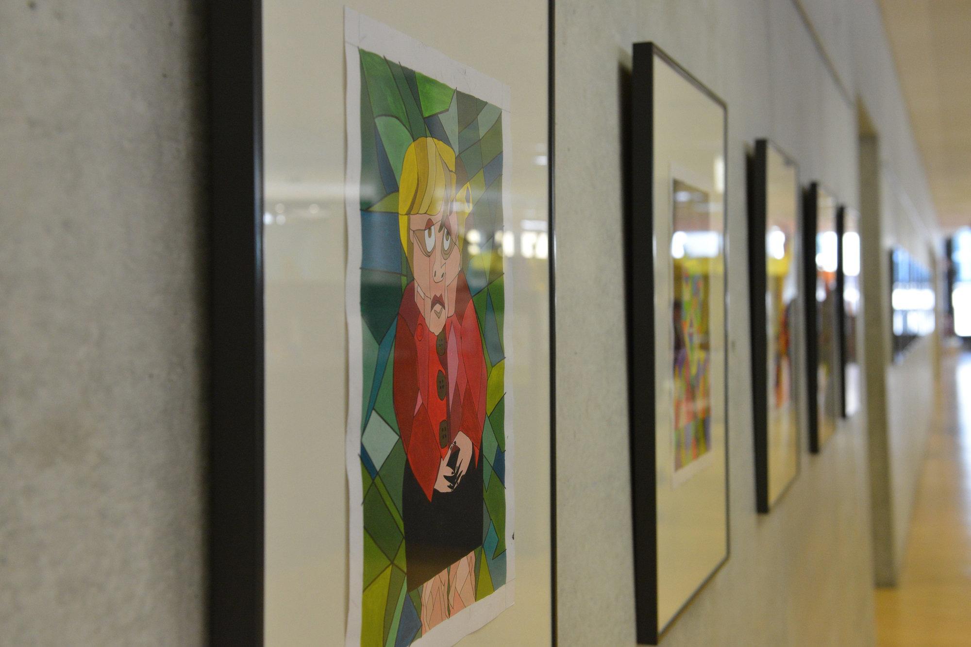 "Die Zentralbibliothek im Stadtfenster Duisburg zeigt unter dem Titel ""Zersplittert"" kubistische Portraits. (Foto: Stadt Duisburg)"