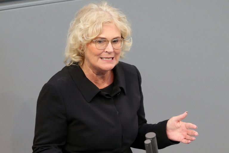 Lambrecht hält Klarnamenpflicht im Internet für unsinnig (© 2019 AFP)