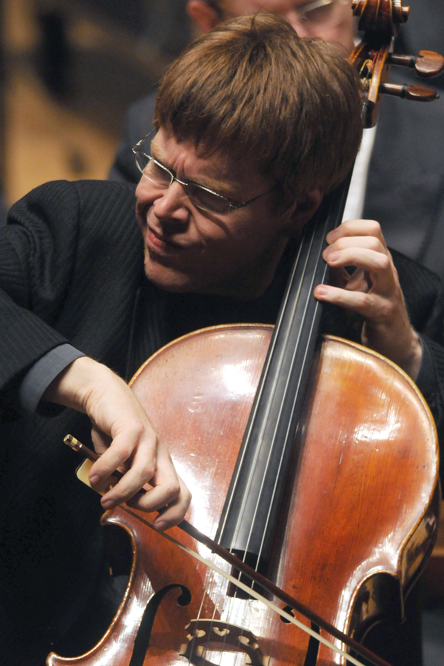 Cellist Guido Schiefen (Foto: Mark Thompson)