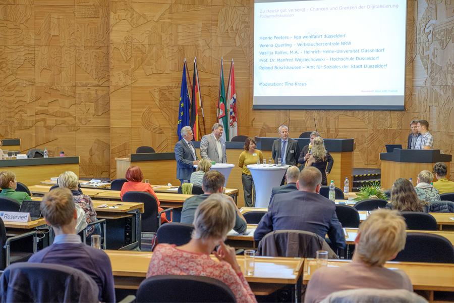 Fachtag der Konferenz Alter und Pflege im Düsseldorfer Rathaus(Foto: Stadt Düsseldorf, Uwe Schaffmeister)