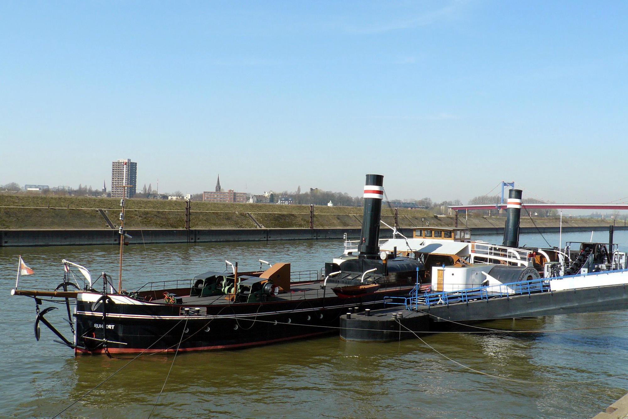 """Museumsschiff Radschleppdampfer """"Oscar Huber"""" (Foto: Stadt Duisburg)"""