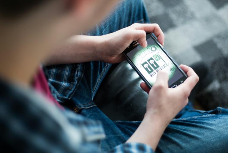 Umfrage: Jugendliche sind pro Woche 58 Stunden online