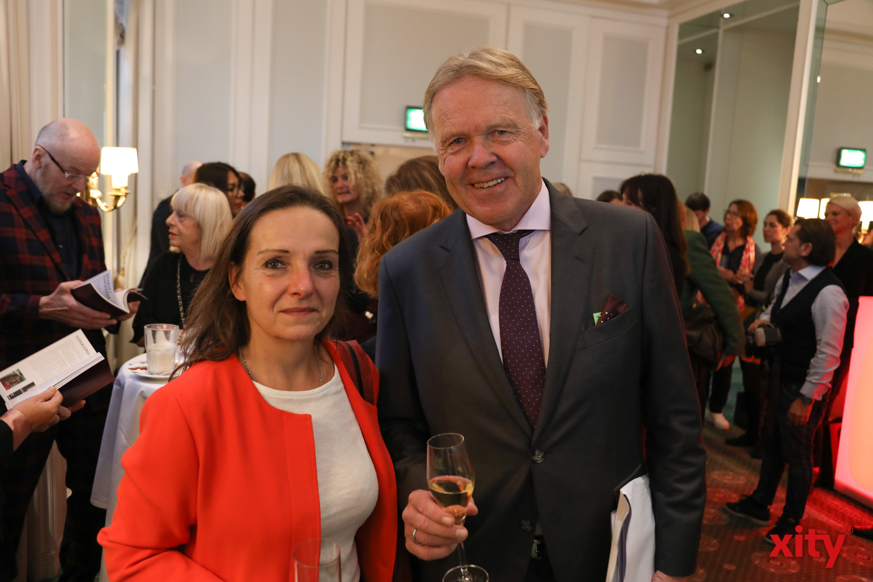 Die Fotokünstlerin Gudrun Kemsa und Peter Wienen (Foto: xity)