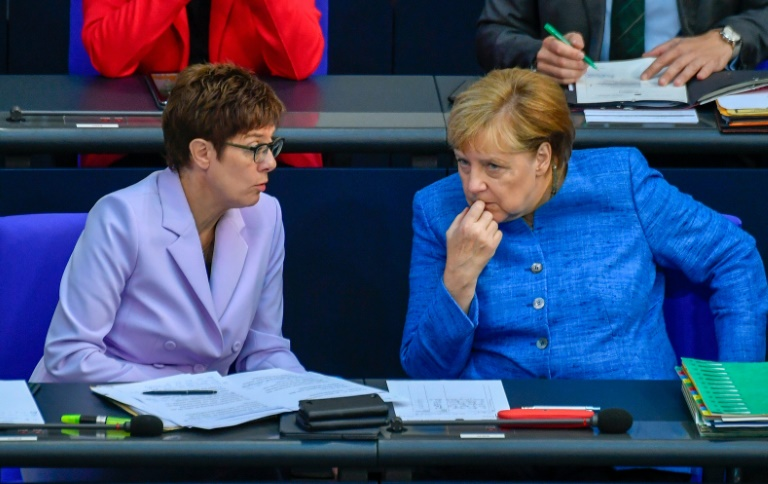Bericht: AKK lädt Merkel nicht zu Treffen mit engster CDU-Führung ein (© 2019 AFP)