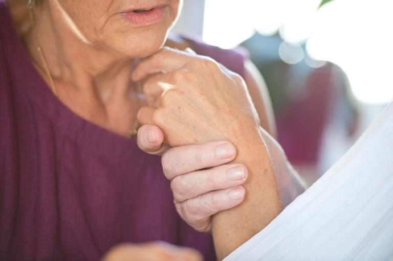 """Patientenschützer fordern """"Demenzbegleiter"""" für Krankenhauspatienten"""