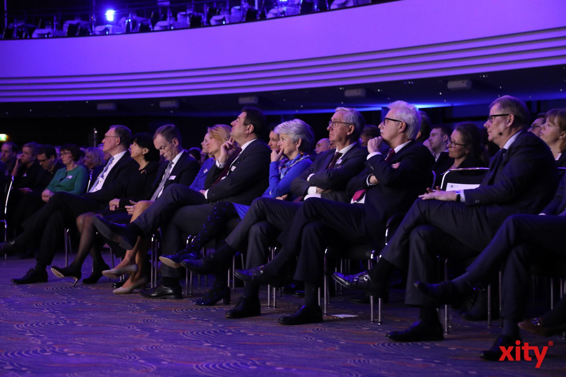 Rund 1400 Gäste aus Politik und Wirtschaft waren der Einladung der IHK gefolgt (Foto: xity)