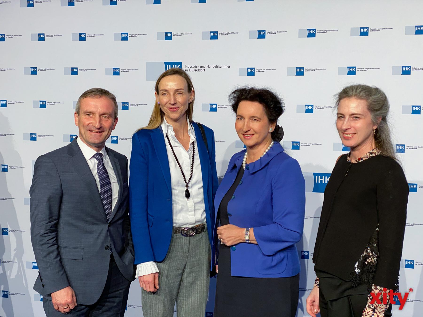 Unter den Gästen waren auch OB Thomas Geisel und Simone Bagel-Trah (Foto: xity)