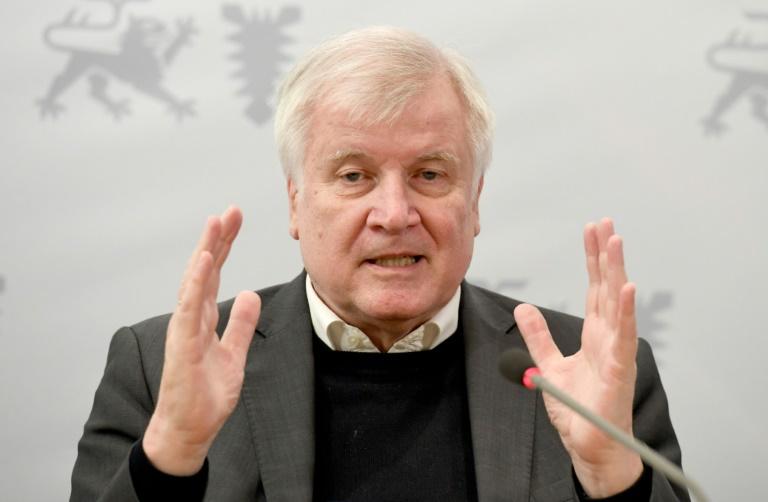 Seehofer fordert Anstrengungen nach Gewalt gegen Politiker