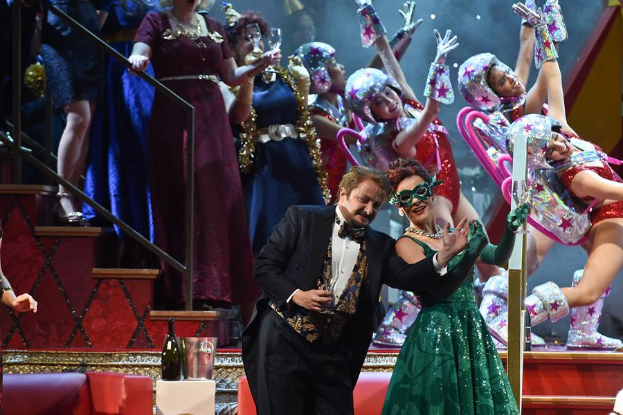 """""""Die Fledermaus"""" feiert Premiere im Opernhaus"""