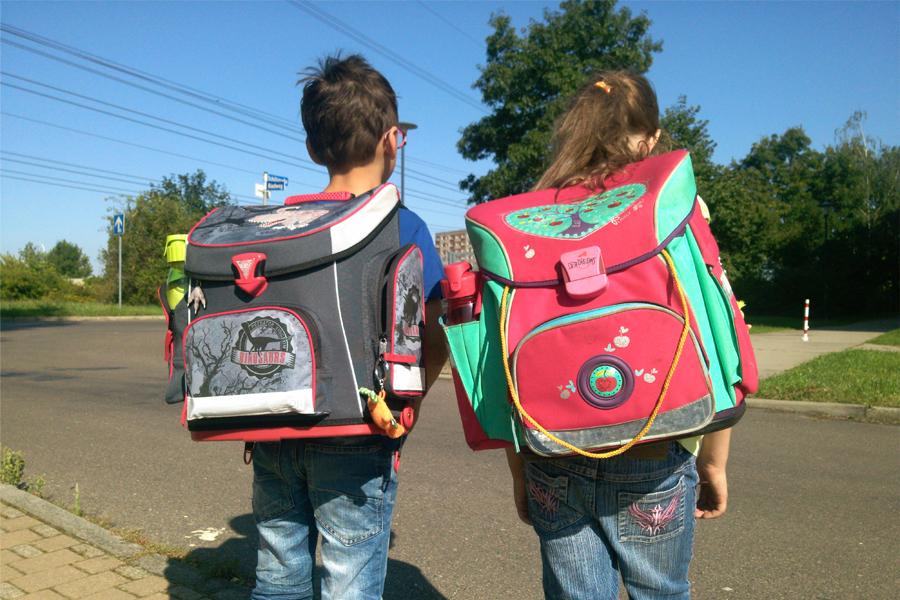 Wie viel Schulranzen verträgt das Kind?
