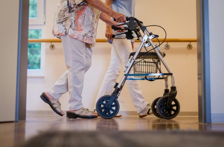 Pflegekommission legt Empfehlungen für höheren Mindestlohn vor