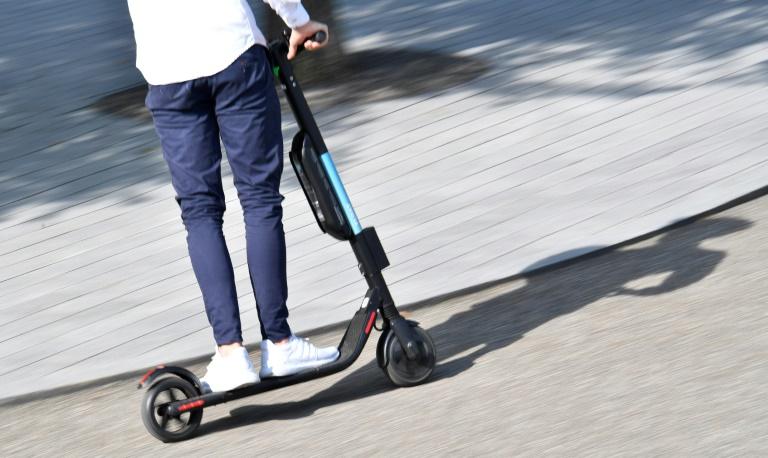 Verkehrsgerichtstag empfiehlt längere Probezeit und Blinker für E-Scooter (© 2020 AFP)