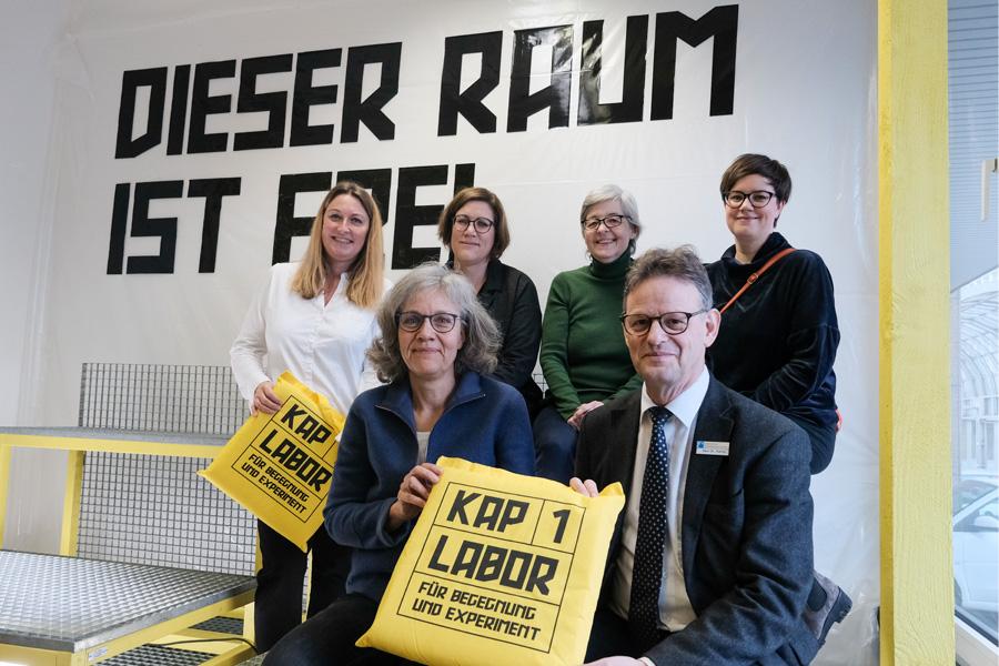 Ursula Keller, Dr. Norbert Kamp, Ewa Westermann-Schutzki, Annette Krohn, Anne Blankenberg und Katja Grawinkel (Foto: Stadt Düsseldorf/Michael Gstettenbauer)
