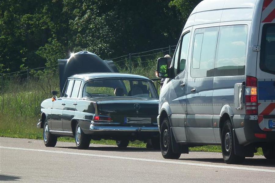 """Umfrage: Fast jeder dritte Autofahrer glaubt an """"Reifenpannen-Hilfspflicht"""" (Foto: xity)"""