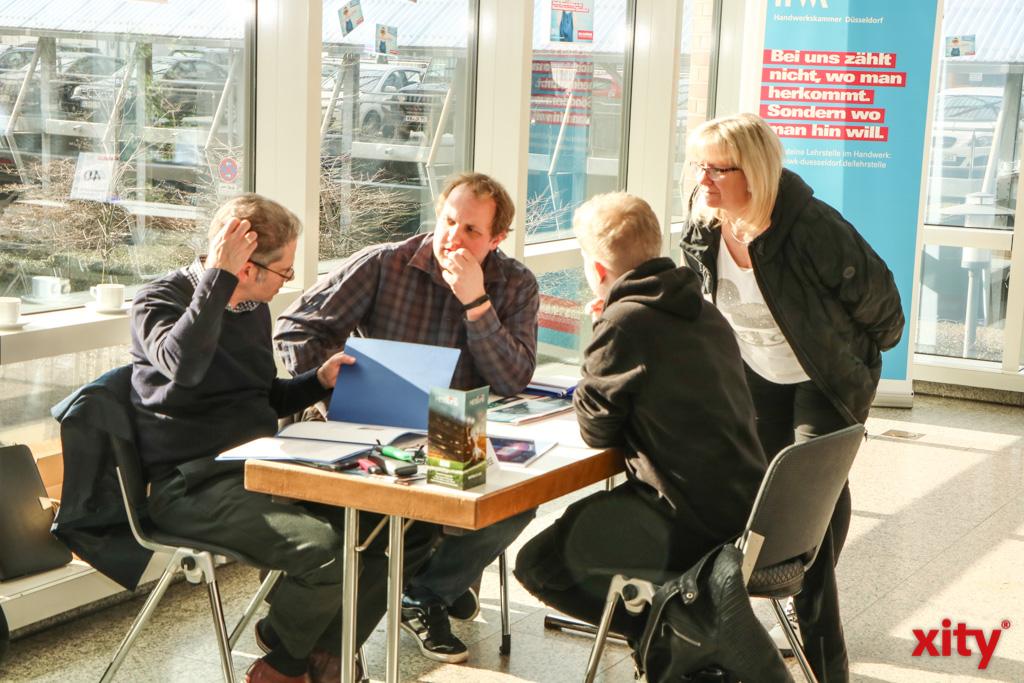 In 10-minütigen Gesprächen konnten sich Arbeitgeber und Ausbildungssuchende kennenlernen (Foto: xity)