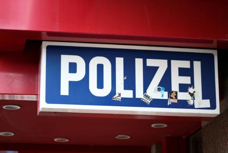 26-Jähriger flüchtet aus Polizeiwache direkt auf Autobahn und wird überfahren (© 2020 AFP)