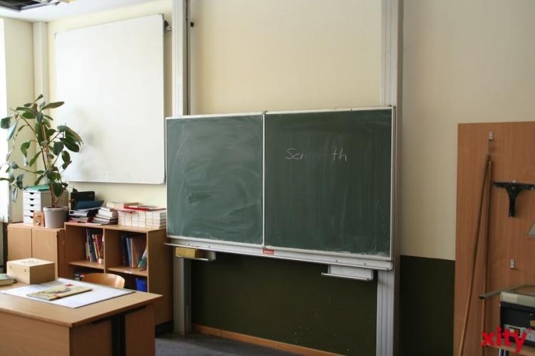 Bleiben am Montag die Schulbänke leer? Schulträger informiert zur angesagten Unwetterlage in NRW (Foto: xity)