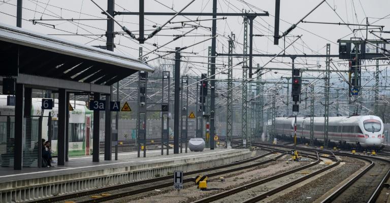 """Bahn will Fernverkehr wegen Sturmtief """"Sabine"""" bundesweit einstellen (© 2020 AFP)"""