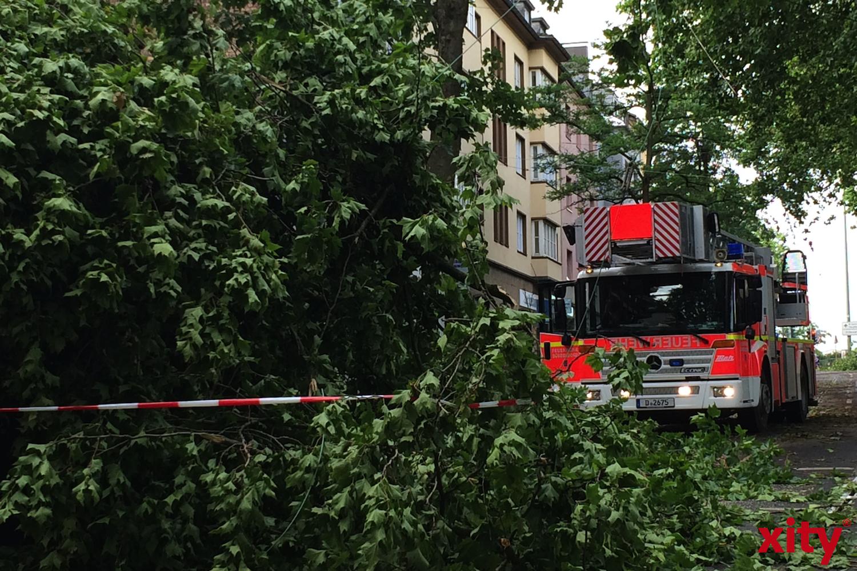 """Feuerwehr Düseldorf zieht Zwischenbilanz zum Sturmtief """"Sabine"""" (Foto: xity)"""
