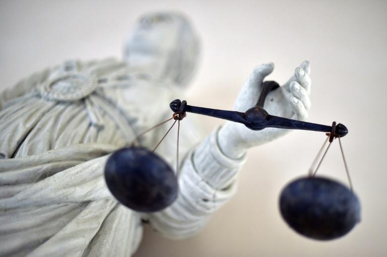 Vier Angeklagte wegen Pflegebetrugs in Millionenhöhe in Berlin vor Gericht (© 2020 AFP)