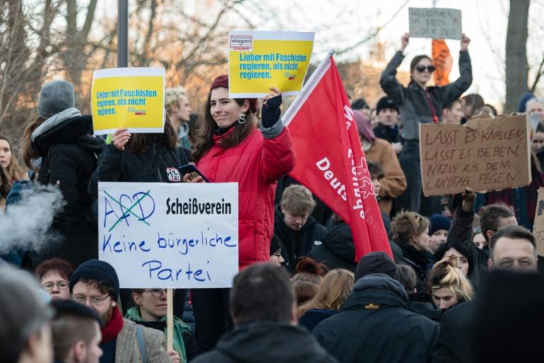 Bündnis ruft zu Großdemonstration in Erfurt nach Ministerpräsidentenwahl auf (Foto: AFP)