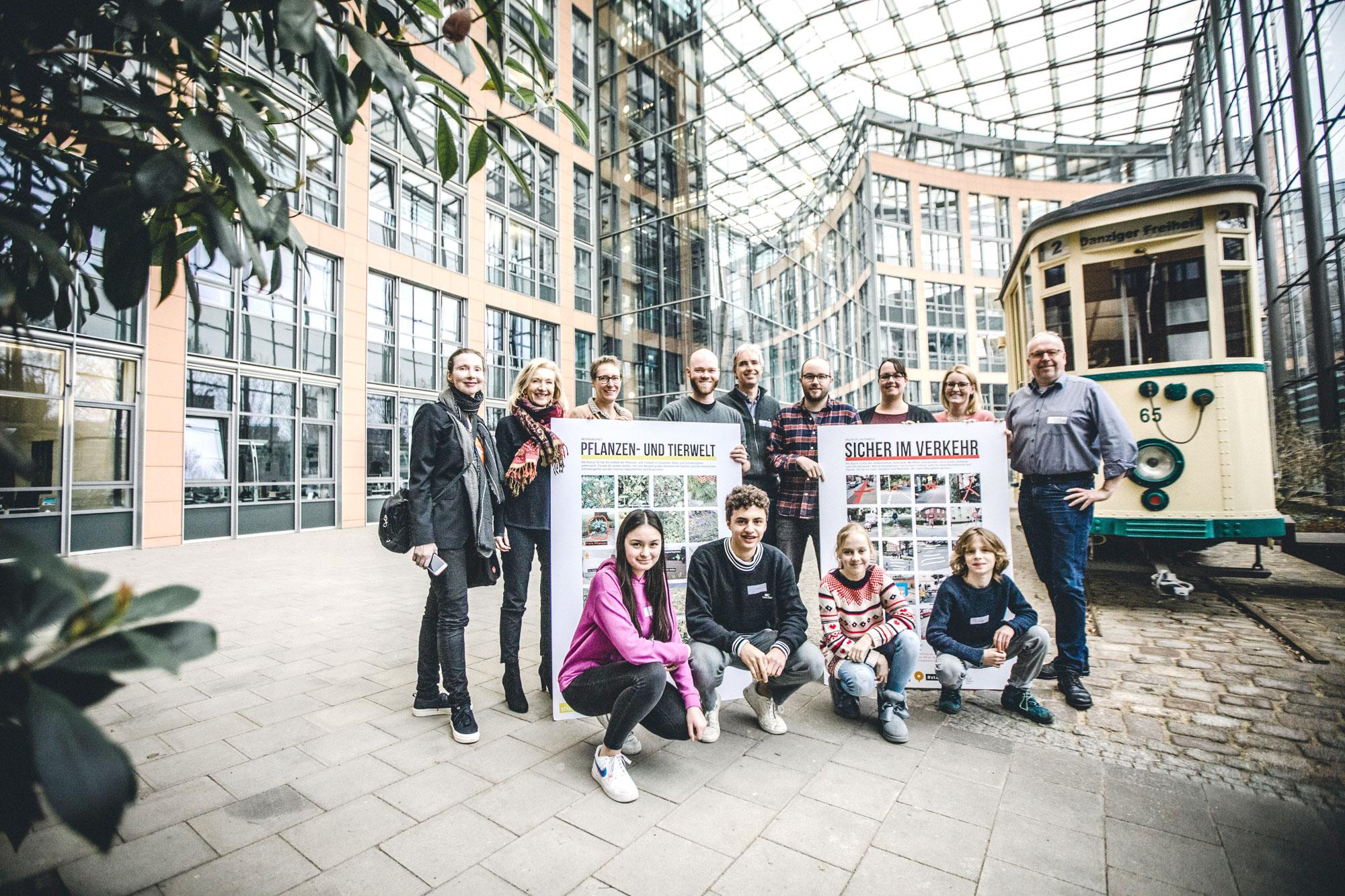 Zufrieden mit den Antworten der Stadtverwaltung waren die jungen Stadtforscher des Hittorf-Gymnasiums. (Foto: Stadt Münster)