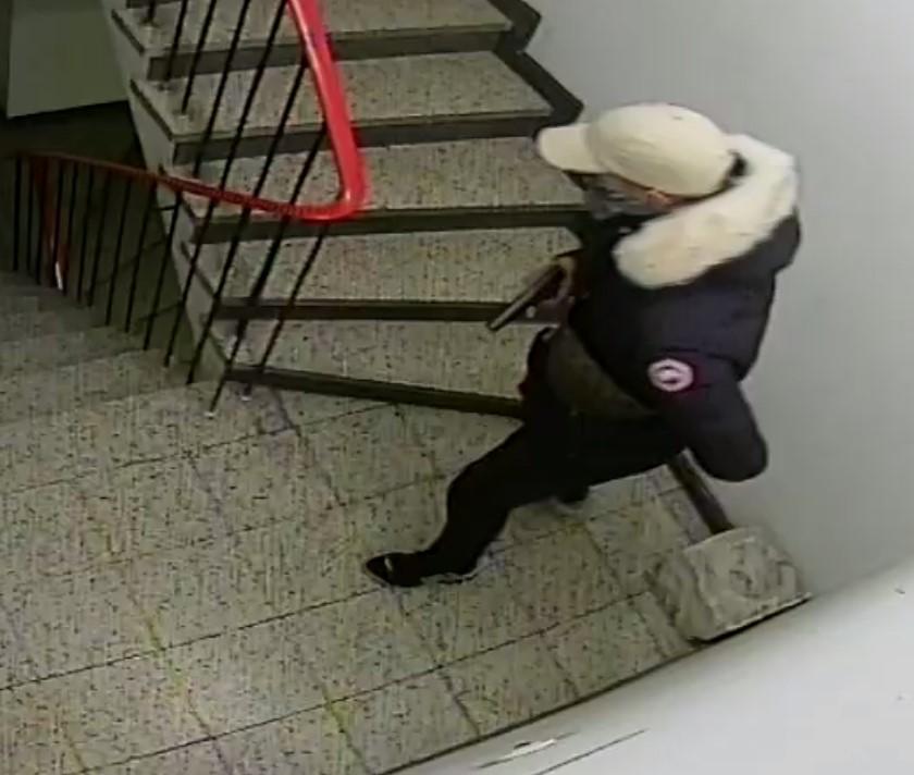 Raub in Wohnung - 2. Unbekannte Täter (Foto: Polizei Düsseldorf)