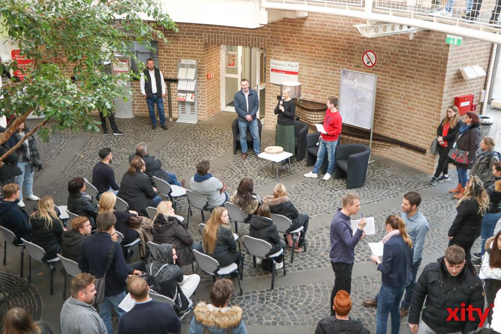 Über 600 Bewerber suchten beim Event in Krefeld nach einer Ausbildungsstelle (Foto: xity)