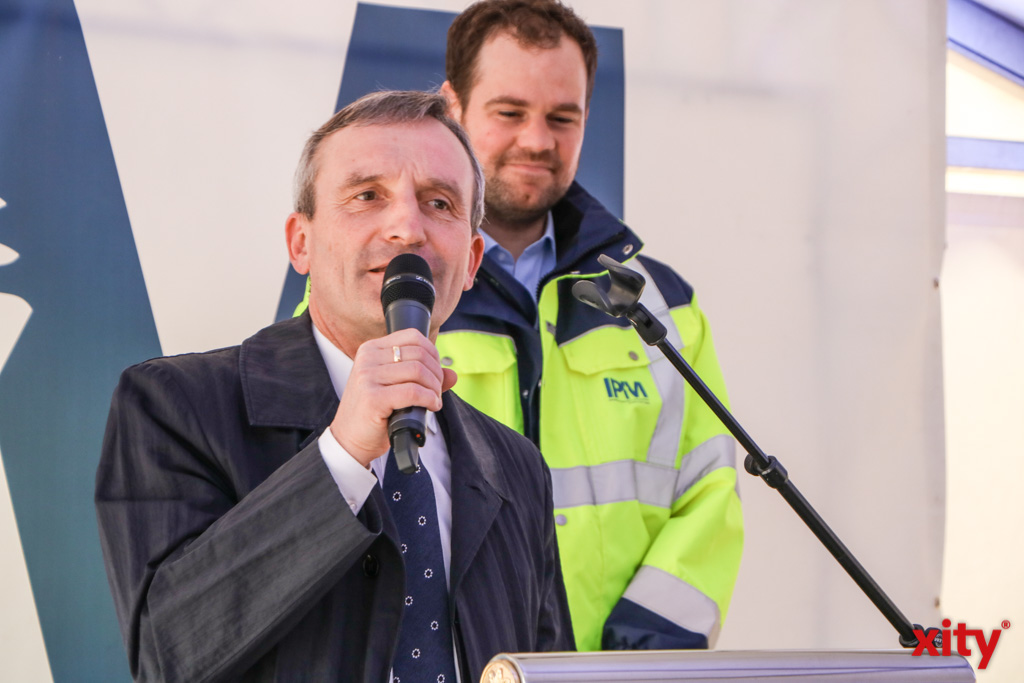 Düsseldorfs Oberbürgermeister Thomas Geisel begrüßte die Gäste bei der Grunsteinlegung (Foto: xity)
