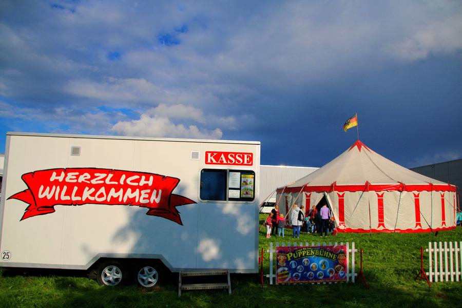 Josef Tränklers Puppenbühne gastiert in Erkrath (Foto: OMK MEDIA/Oliver M. Klamke)