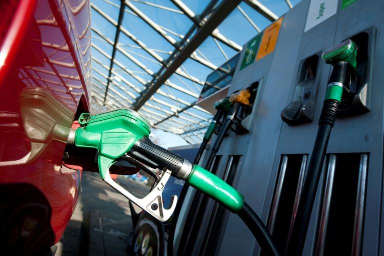ADAC warnt vor Hamsterkäufen von Benzin