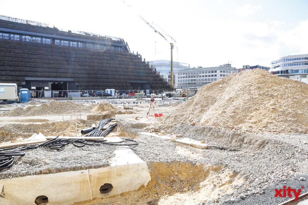 Der Gustaf-Gründgens-Platz wird gerade neu hergerichtet (Foto: xity)