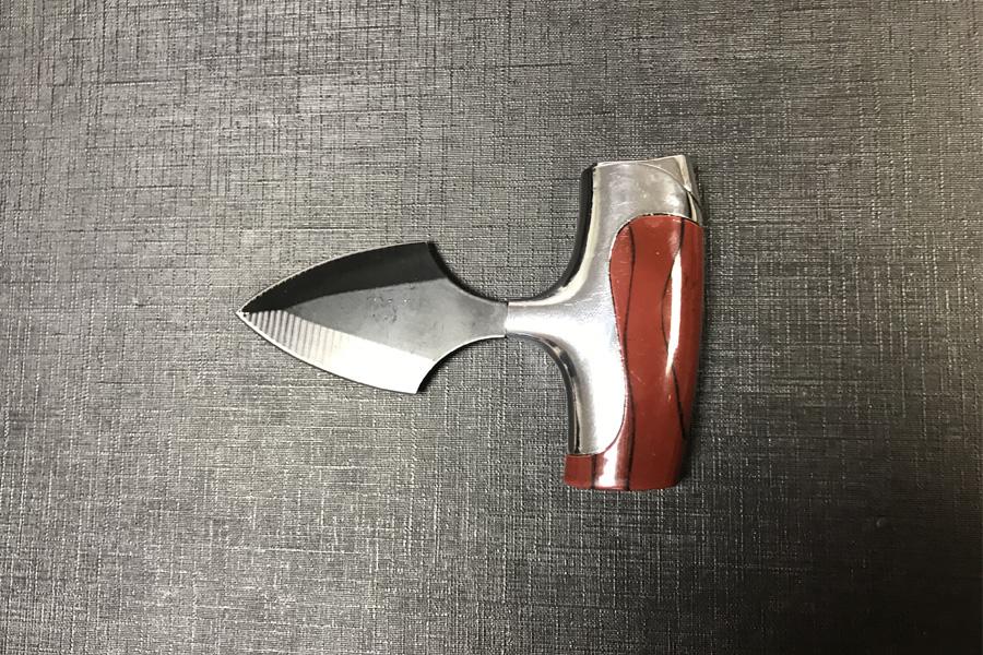 Verbotenes Faustmesser aus der Türkei (Foto: Hauptzollamt Düsseldorf)