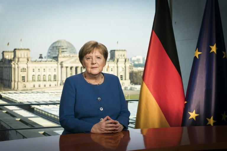 Merkel drängt zur Regelbeachtung in Corona-Krise (© 2020 AFP)