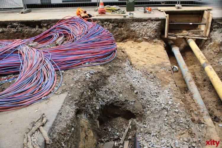 Netzgesellschaft Düsseldorf erneuert Netzanschlussleitungen auf der Heyestraße in Gerresheim (Foto: xity)
