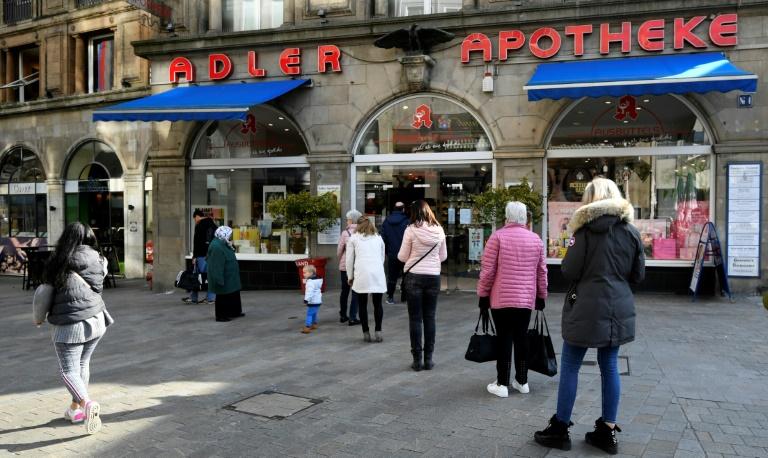 Unbekannter entsorgt 10.000 Euro in Tasche mit alten Medikamenten (© 2020 AFP)